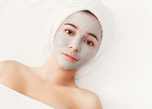 Cara menghilangkan jerawat-face-mask-spa-beauty-treatment-skincare